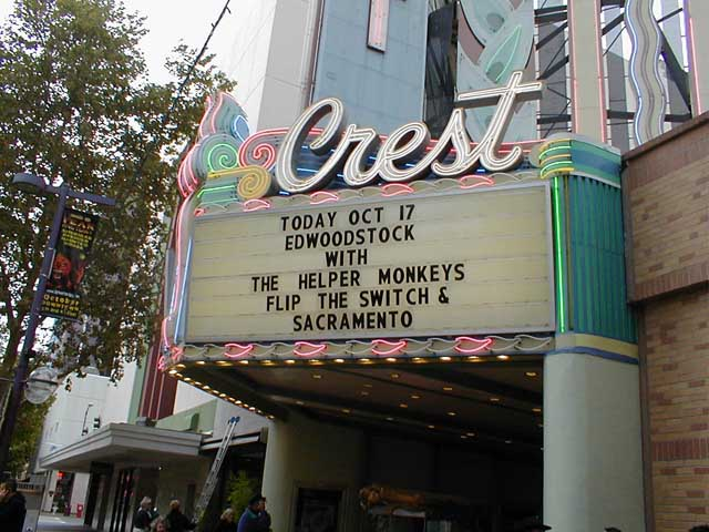http://concert.edwood.org/photos/new/sign1.jpg